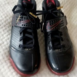 "NEW•Nike•Zoom Lebron 5 ""Black Varisty Crimson"" 11"